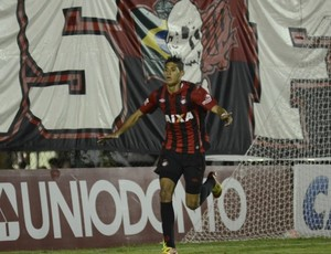 Crislan Atlético-PR vitória contra o Toledo (Foto: Divulgação/Site oficial do Atlético-PR)