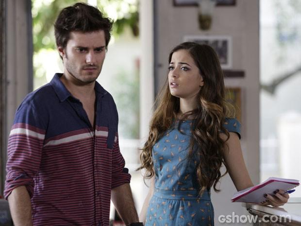 Olha a cara de espanto do Martin com a ideia doida da Flaviana! (Foto: Fábio Rocha/ TV Globo)