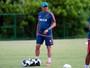 Observação e orientações marcam o primeiro treino de Oswaldo no Sport