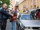 Jovem fantasiado de 'Marty McFly' é preso na Austrália