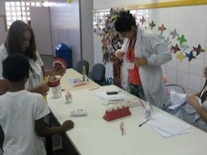 Atendimento odontológico é um dos serviços oferecidos (Foto: Rodrigo Maia/ TV Gazeta)
