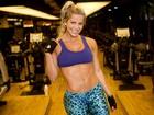 Karina Bacchi mostra treino que a definiu: 'Troquei gordura por músculo'