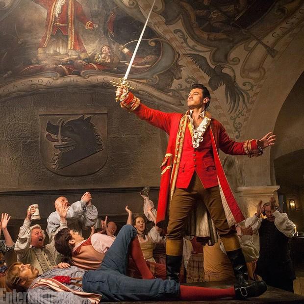 Luke Evans caracterizado para o filme A Bela e a Fera (Foto: Reprodução/Entertainment Weekly)
