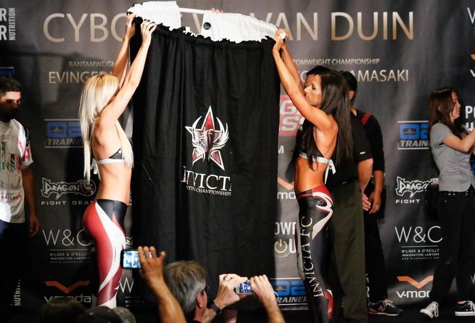 Tonya Evinger pesagem Invicta FC 13 MMA (Foto: Evelyn Rodrigues)