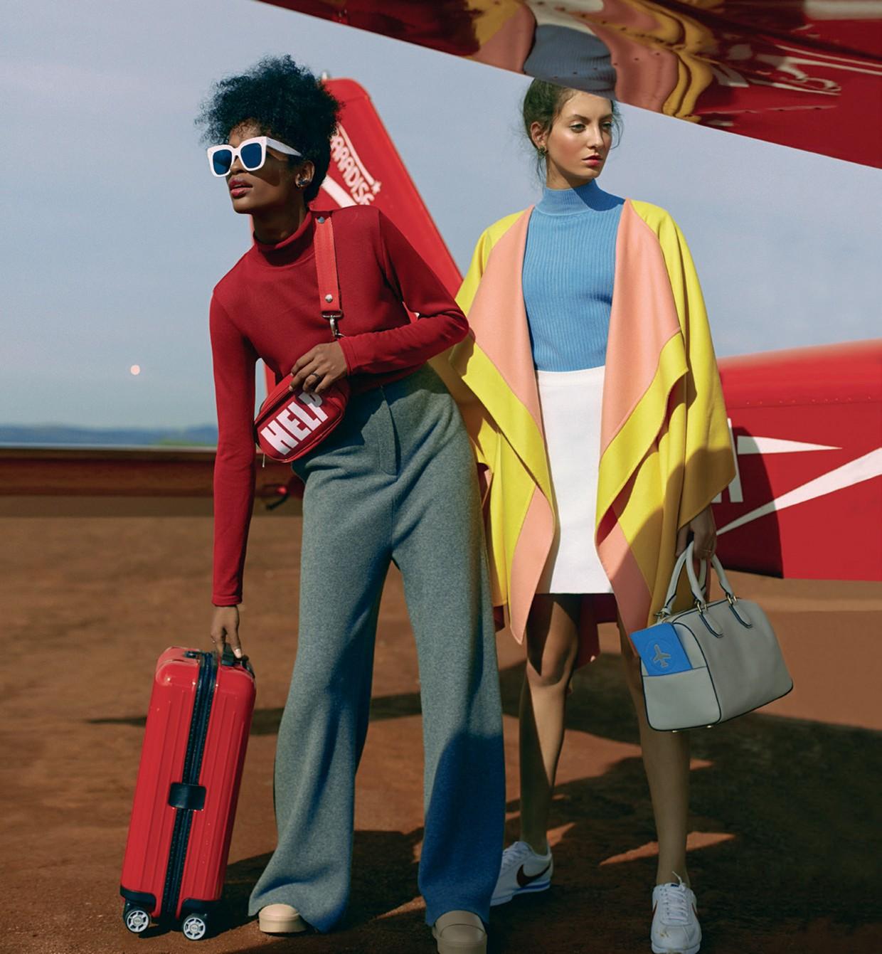 À esquerda, blusa Karin Matheus (R$ 399), calça Stella McCartney na NK Store (R$ 4.590), óculos Céline (R$ 1.559), pochete Diego Favaro (R$ 129), tênis Le Lis Blanc (R$ 499) e mala Rimowa (R$ 1.700). À direita, capa Emilio Pucci (R$ 14.800), blusa (R$ 495 (Foto: Ivan Erick)