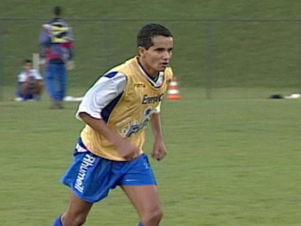 d2ff4c1808 G1 - Ex-jogador do Cruzeiro está preso por falta de pagamento de ...