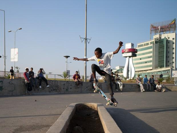 Voluntrios criaram a primeira pista de skate da Etipia, na capital Adis Adeba (Foto: Daniel Reiter)