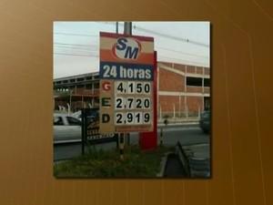 Gasolina chegou a R$ 4,15 em posto de combustível de João Pessoa (Foto: Reprodução/ TV Cabo Branco)