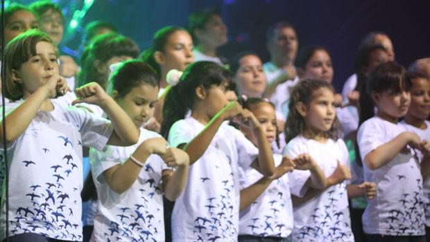 Com muita dedicação nos ensaios, todo mundo estava craque nas coreografias (Foto: Divulgação/RPC TV)