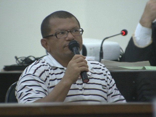 Ex-policial militar Moacir Jorge Pessoa da Costa surpreendeu público presentes durante depoimento (Foto: Reprodução/TV Amazonas)