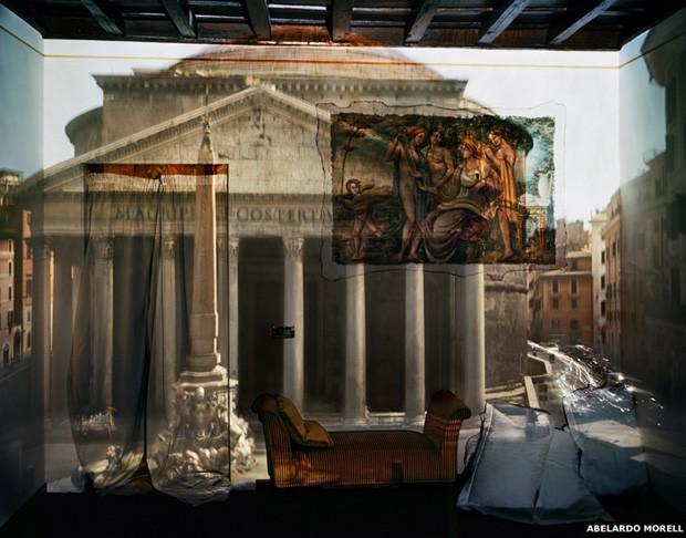 Recentemente, Morell tem utilizado um prisma para corrigir a orientação da imagem projetada. Graças à tecnologia digital, os tempos de exposição são mais curtos (Foto: Abelardo Morell)