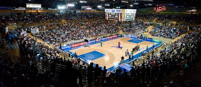 Franca ginásio Pedrocão (Foto: Newton Nogueira)