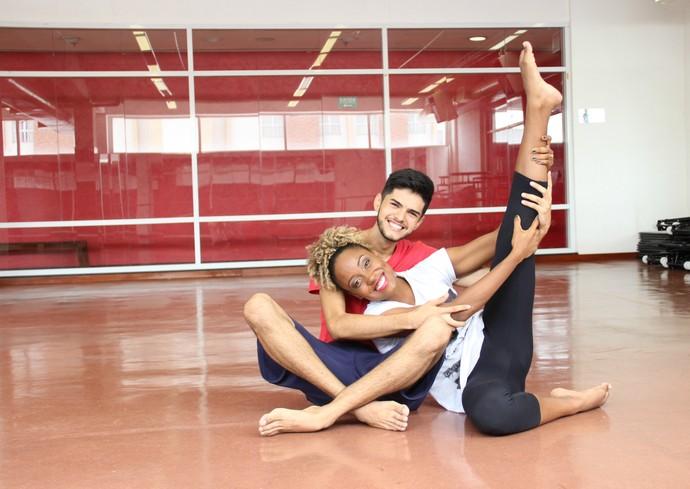 Bailarino Matheus Isaac e apresentadora Jaque Santtos são amigos (Foto: Katiúscia Monteiro/ Rede Amazônica)