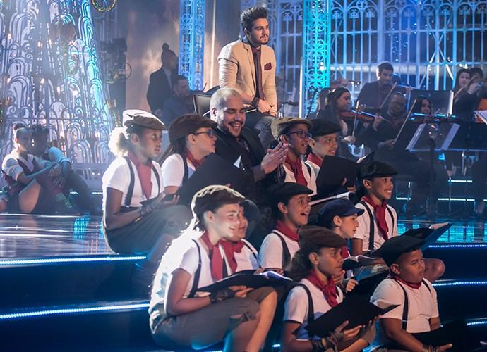 No especial, Luan cantou o clássico Noite Feliz (Foto: Paulo Belote/Globo)