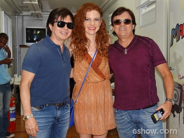 Maria Eduarda pediu para tirar foto com a dupla sertaneja (Foto: Divulgação/TV Globo)