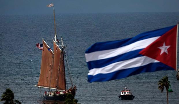 Eua se abstiveram pela 1ª vez na votação da resolução da Assembleia Geral da ONU que a cada ano condena o embargo sobre Cuba (Foto: Ramon Espinosa/AP)