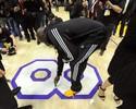 Lakers leiloam piso do último jogo de Kobe com lance mínimo de R$ 35 mil