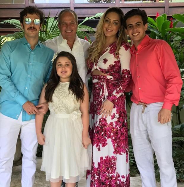Jayme Monjardim com os filhos Jayme, Maysa e André e a mulher, Tânia Mara (Foto: Reprodução/Instagram)