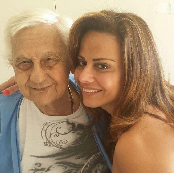 Viviane Araújo e o pai, Josenir (Foto: Instagram / Reprodução)
