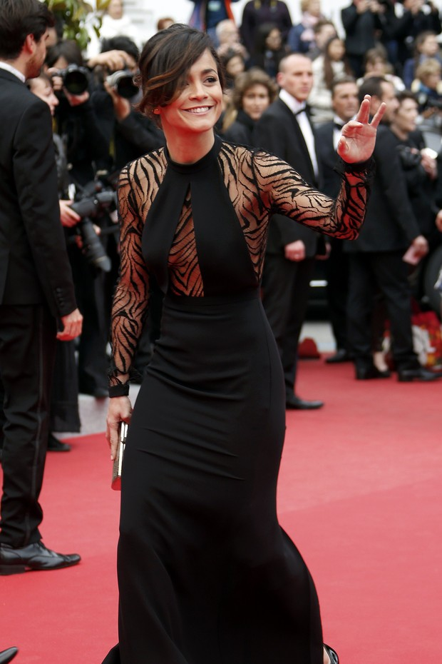 Alice Braga na première de El Ardor, no Festival de Cannes (Foto: Reuters)