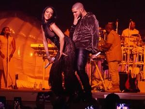 Rihanna e Drake em show em Miami, nos Estados Unidos (Foto: Grosby Group/ Agência)