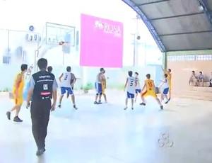 Aberto de Basquete reúne equipes do sub-17 da capital (Foto: Reprodução/TV RO)