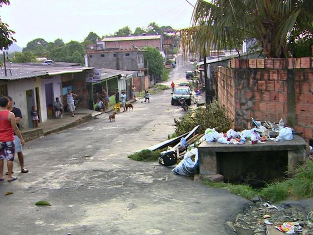 Menino caiu em bueiro aberto (Foto: Reprodução/Rede Amazônica)