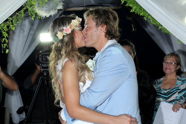 Raphaela e Theo Becker se casam (Foto: Alex Palarea/AgNews)