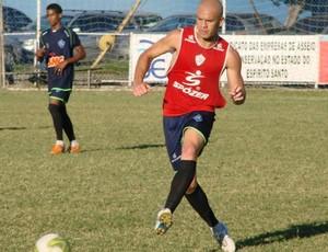 Ernandes no treino do Vitória-ES (Foto: Igor Gonçalves/GloboEsporte.com)