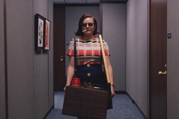 A atriz Elisabeth Moss em cena de Mad Men (Foto: Reprodução)