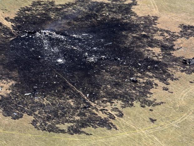 Avião bombardeiro B-1B da Força aérea norte-americana caiu em uma área remota em Montana, os quatro membros da tripulação a bordo sobreviveram com alguns ferimentos. (Foto: Power River Examiner/Bill Stuver/AP)