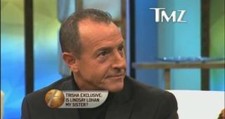 Michael Lohan durante programa de TV (Foto: Reprodução/ TMZ)