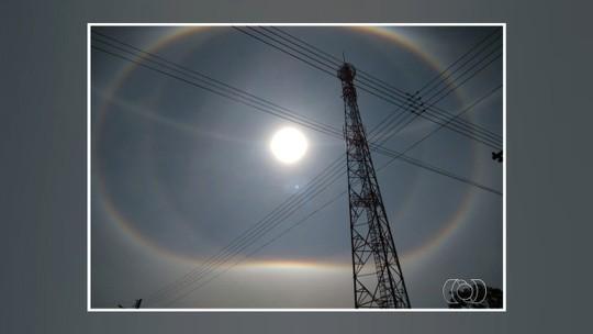 Fenômeno halo solar chama atenção de moradores em cidades de Goiás