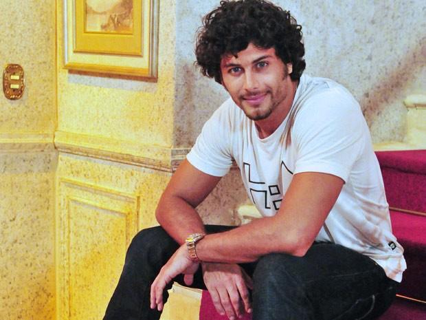 Jesus Luz está com grande expectativa para suas primeiras cenas em Guerra dos Sexos (Foto: Guerra dos Sexos/ TV Globo)