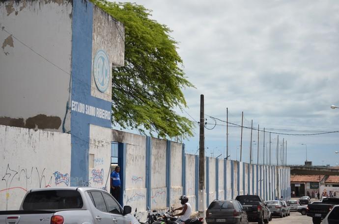 Estádio Sabino Ribeiro (Foto: João Áquila / GLOBOESPORTE.COM)