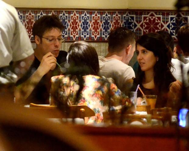 Fábio Porchat com a namorada, Nataly Mega (Foto: AgNews)