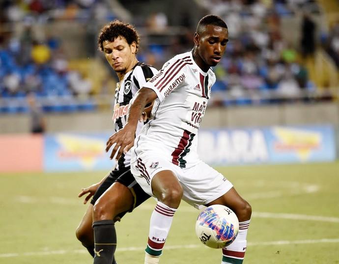 Botafogo x Fluminense, Gerson (Foto: André Durão)