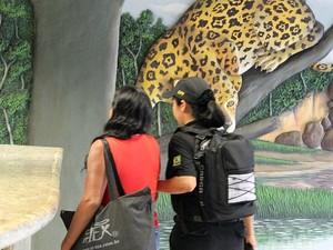 Duas mulheres foram presas suspeitas de agenciar as adolescentes (Foto: Tiago Melo/G1 AM)