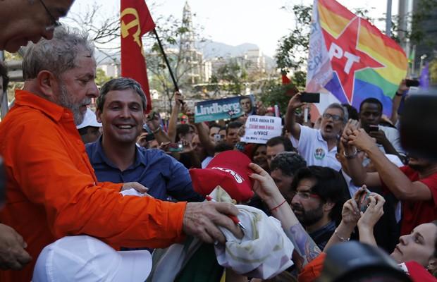 O ex-presidente Luiz Inácio Lula da Silva durante ato em defesa do pré-sal no Centro do Rio (Foto: Sérgio Moraes/Reuters)