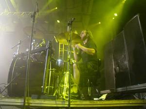 Marsell Senko, baterista da Warcursed, banda de death/ trash metal da Paraíba. (Foto: Thomás Alves/ TV Asa Branca)