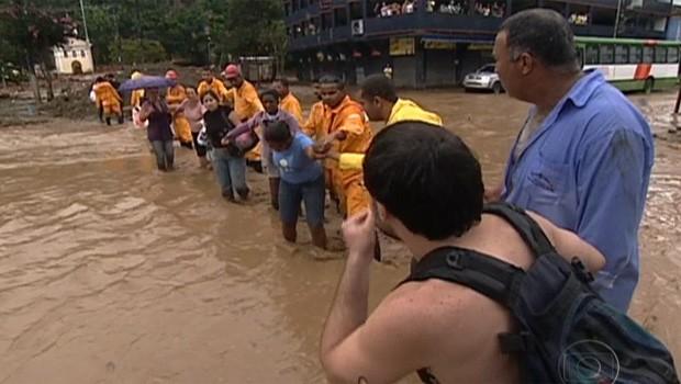 chuvas na região serrana JN (Foto: TV Globo)
