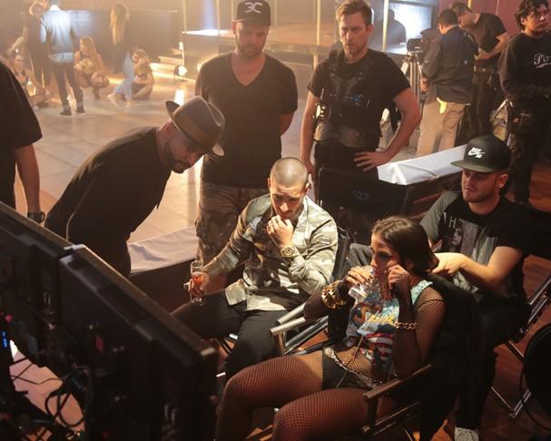 """Anitta nos bastidores da gravação do clipe """"Sim ou Não"""" (Foto: Divulgação)"""