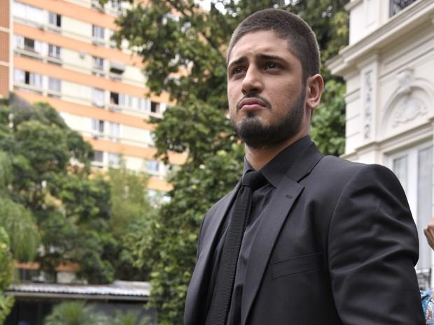 Daniel Rocha mostra todo o estilo de seu personagem  (Foto: Raphael Dias/TV Globo)