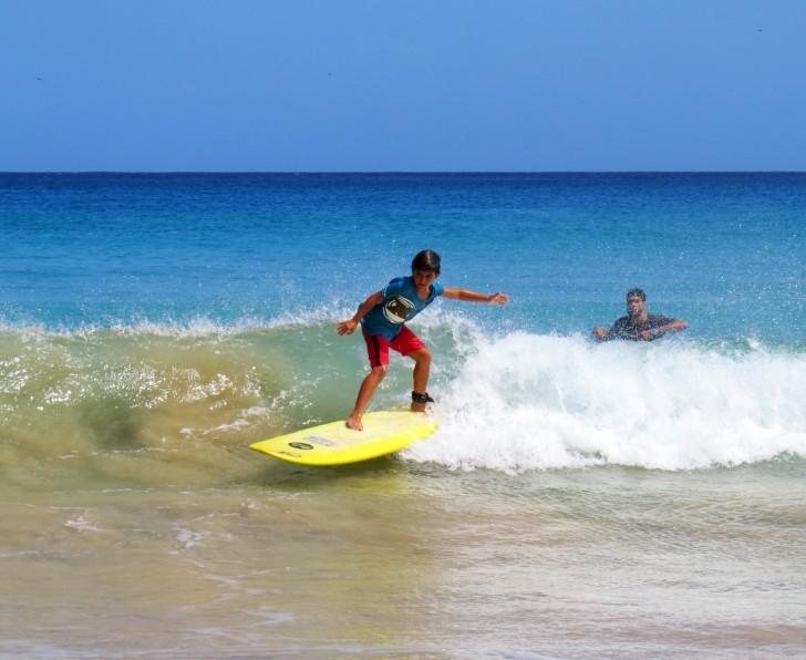 Escolinha de Surfe Noronha
