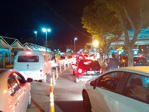 Movimento de carros no ferry boat nesta quarta-feira (22).  (Foto: Alan Tiago Alves/ G1 BA)