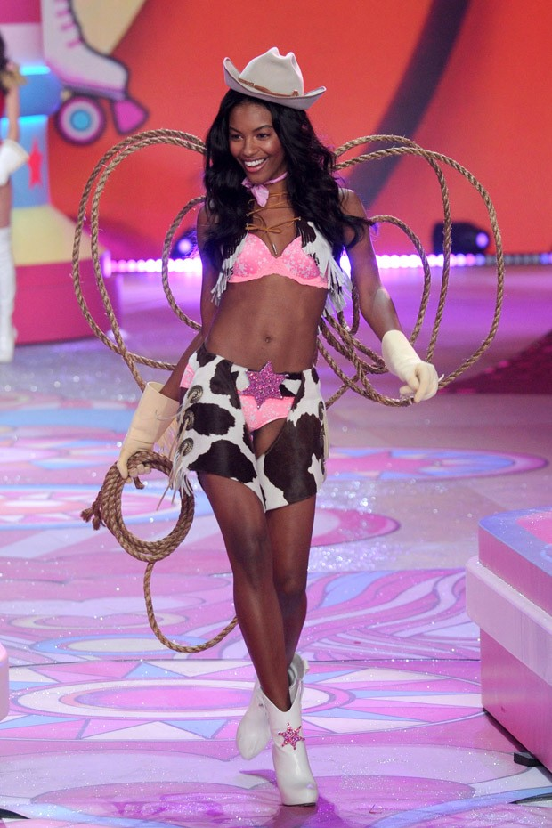 VICTORIA SECRET SHOW IN NEW YORK VICTORIA SECRET´S 2012 SHOW VICTORIA SECRET´S 2012 SHOW vs 16