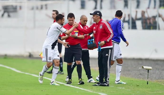 Ponte Preta x Palmeiras Felipe Azevedo Eduardo Baptista (Foto: Marcos Ribolli)