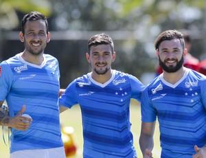 Cruzeiro; Arrascaeta; Mena; Ariel Cabral (Foto: Washington Alves/Light Press)