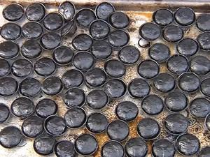 Empadas queimaram no forno (Foto: Reprodução / TV TEM)
