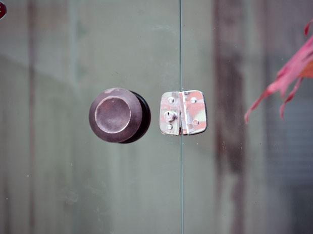 Perícia será feita para identificar quando houve o arrombamento e se os invasores conseguiram levar algum objeto (Foto: Walter Paparazzo/G1)
